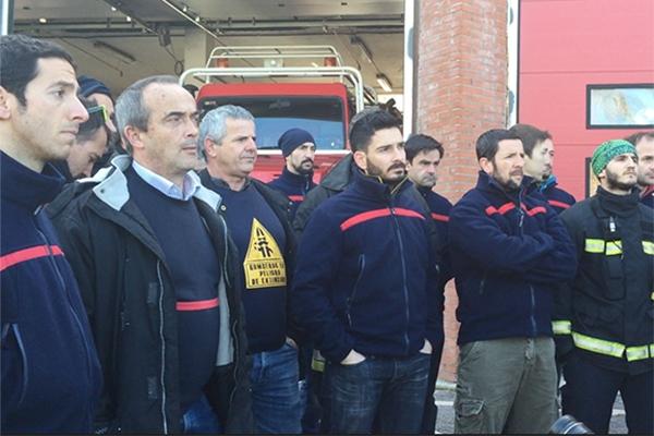 El Ayuntamiento desiste de la acción penal contra los 26 bomberos expedientados en su huelga