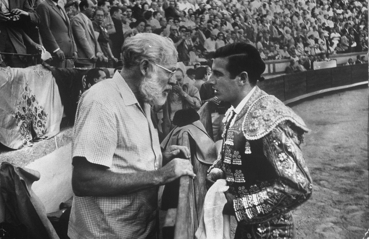 Hemingway: el novelista que llenó todas las plazas…