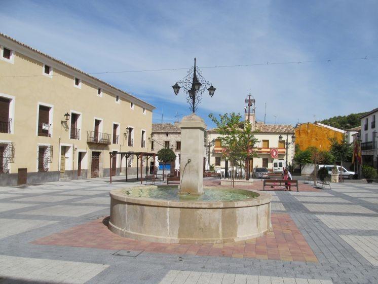 Pareja-10_Plaza_de_la_Costitucin