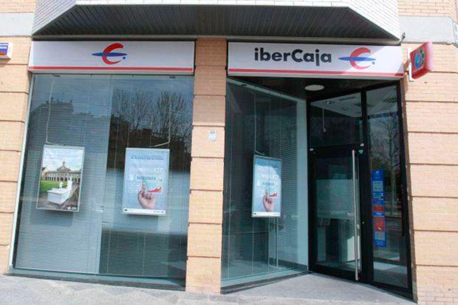 Guadaqu ibercaja cerrar 160 sucursales 30 en la zona for Oficinas de ibercaja en madrid