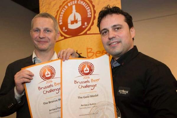 Guadaqué - Cervezas Arriaca se trae dos medallas del 'Brussels Beer Challenge 2016'